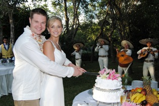 Keri and Eric De Bruin said their wedding was STRESS FREE!