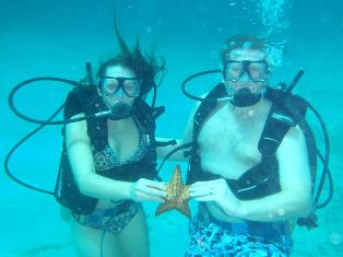 Paul and Teresa Joachimczyk underwater at Couples Negril!