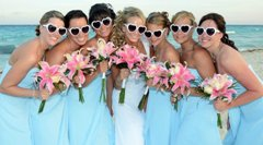 Gorgeous bridesmaids and the Bride are looking good!