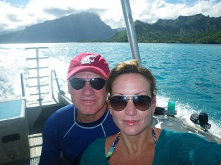 These two are experienced divers and know the Tahitian islands