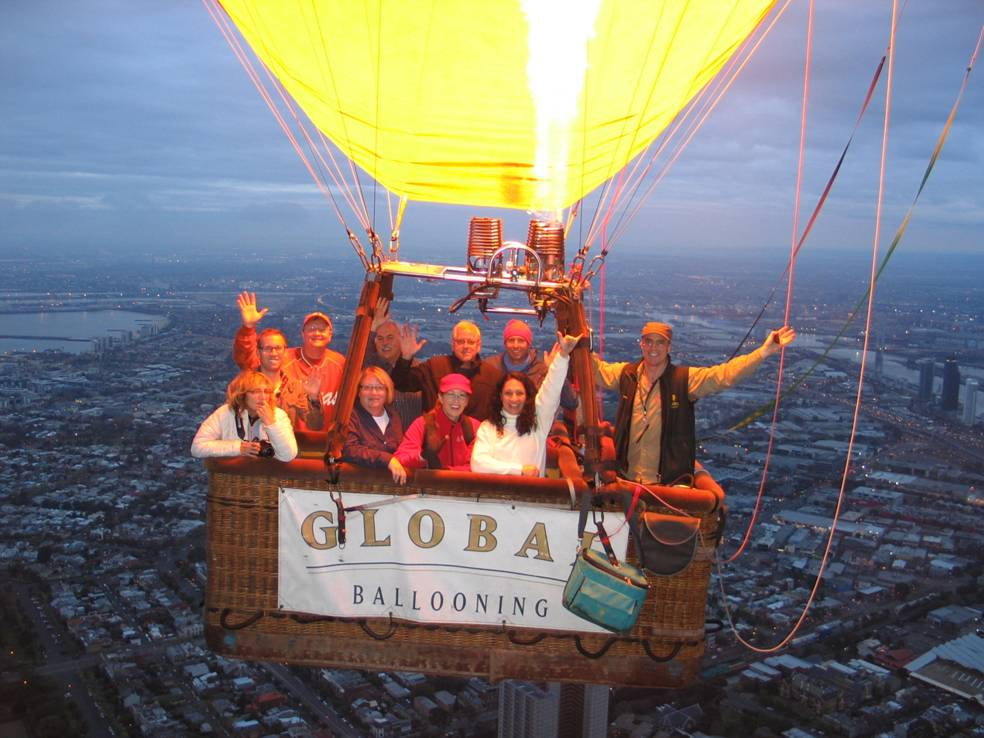 Mary Malsch in a balloon trip in AUSTRALIA!